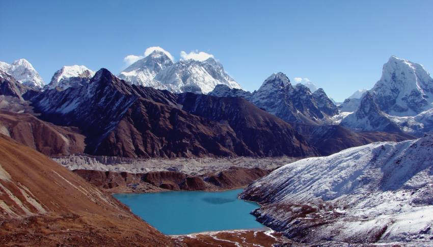 Everest and Renjo La Trek