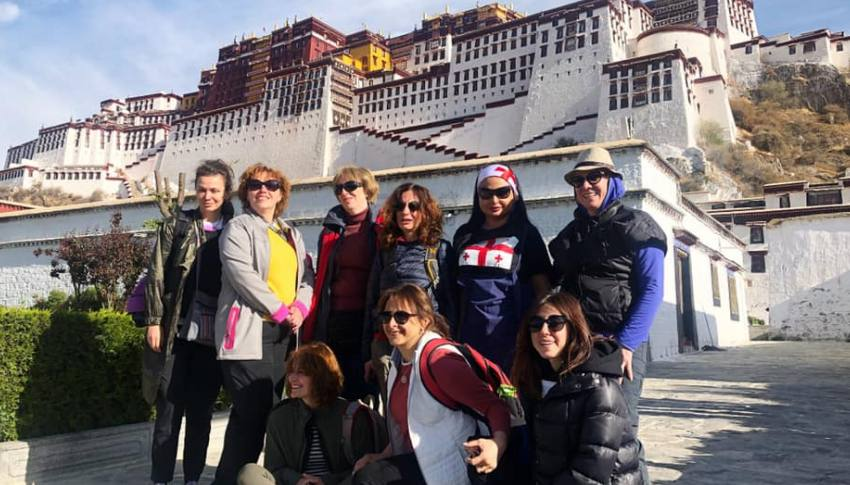 Lhasa - Everest Base Camp to Mount Kailash Tour 14 day